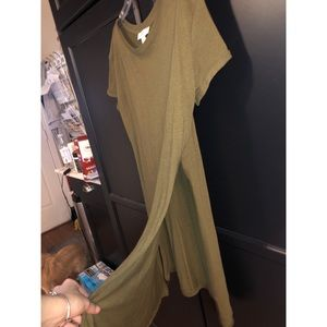 Long army green t shirt with slits